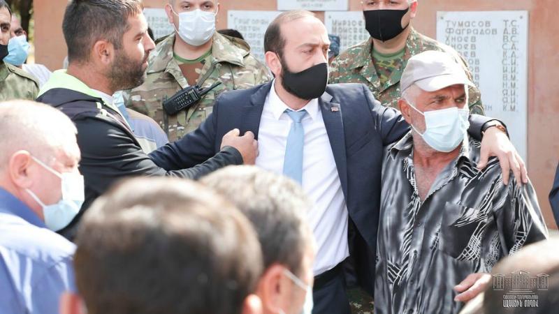 Փառք ազգային փոքրամասնությունների բոլոր զինվորներին, ովքեր այսօր անզիջում կանգնած են հայրենիքի պաշտպանության դիրքերում. Արարատ Միրզոյան