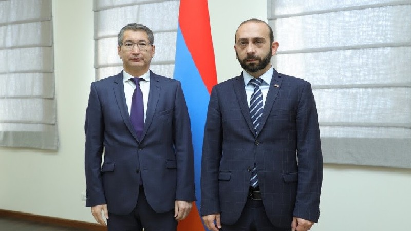 Արարատ Միրզոյանը հանդիպել է ՀՀ-ում Ղազախստանի դեսպան Բոլատ Իմանբաևի հետ