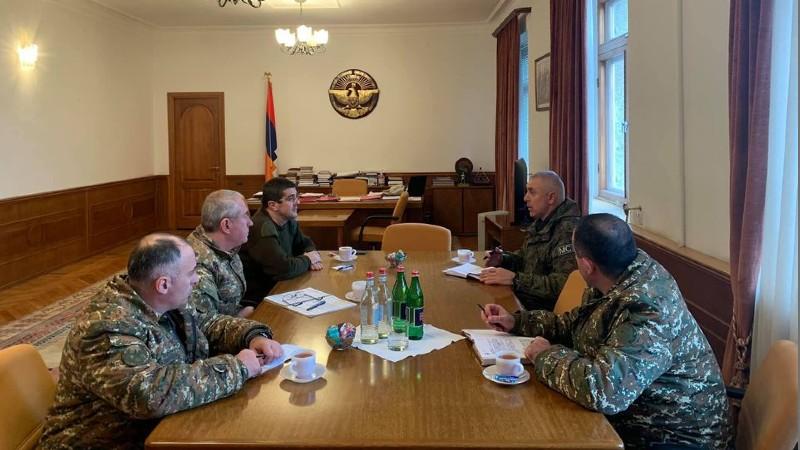 Արայիկ Հարությունյանն ընդունել է ՌԴ խաղաղապահ զորակազմի հրամանատարին