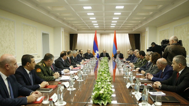 Ի՞նչ հարցեր են ներառված Հայաստան-Արցախ ԱԽ համատեղ նիստում. «Հրապարակ»