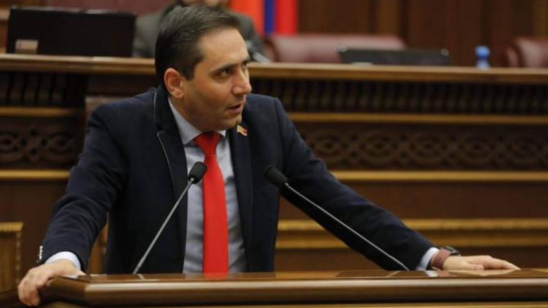 Ձեռնարկվելու են բոլոր համարժեք միջոցներն Ադրբեջանի ռազմական ագրեսիան կասեցնելու նպատակով. Արման Աբովյանը ներկայացրեց ԱԺ հայտարարության նախագիծը
