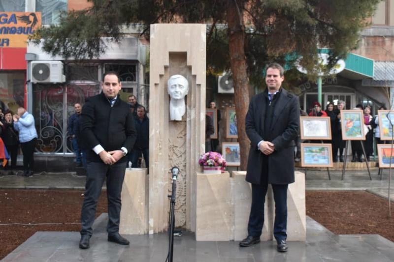 Արմավիր քաղաքում բացվել է Շառլ Ազնավուրի հուշարձան-պուրակը