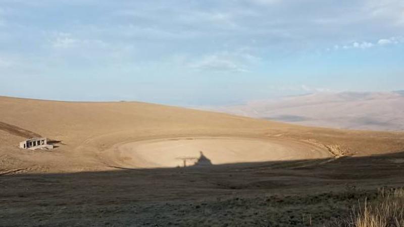 Երաշտի պատճառով ցամաքել է Արմաղան լեռան գագաթի լիճը