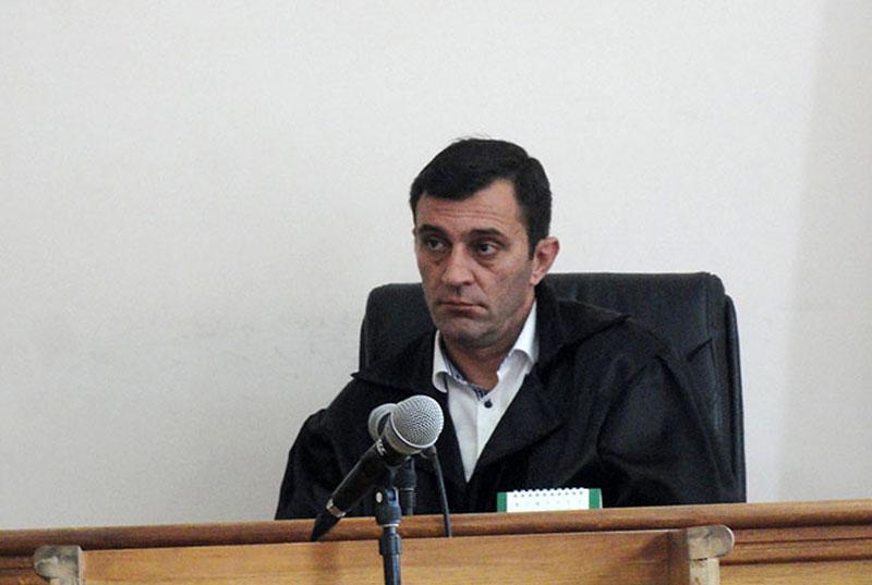 Դատավոր Արմեն Բեկթաշյանը կհրաժարվի՞ քննել հանցավոր խմբի գործը. «Ժողովուրդ»