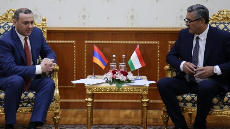 Արմեն Գրիգորյանը հանդիպել է Տաջիկստանի ԱԽ քարտուղար Նասրուլլո Մախմուդզոդայի հետ