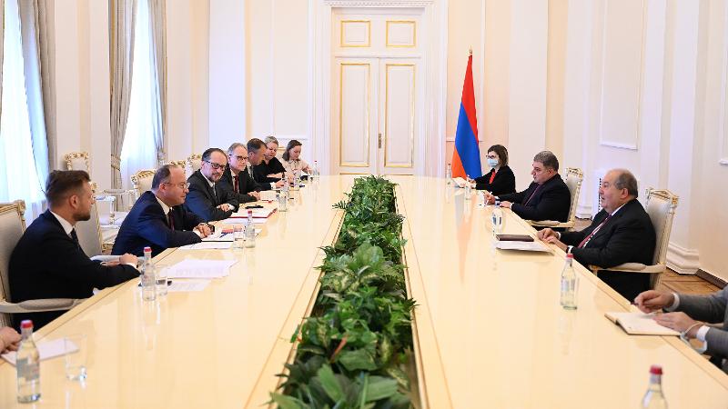 Արմեն Սարգսյանն ընդունել է Ավստրիայի, Լիտվայի և Ռումինիայի ԱԳ նախարարներին