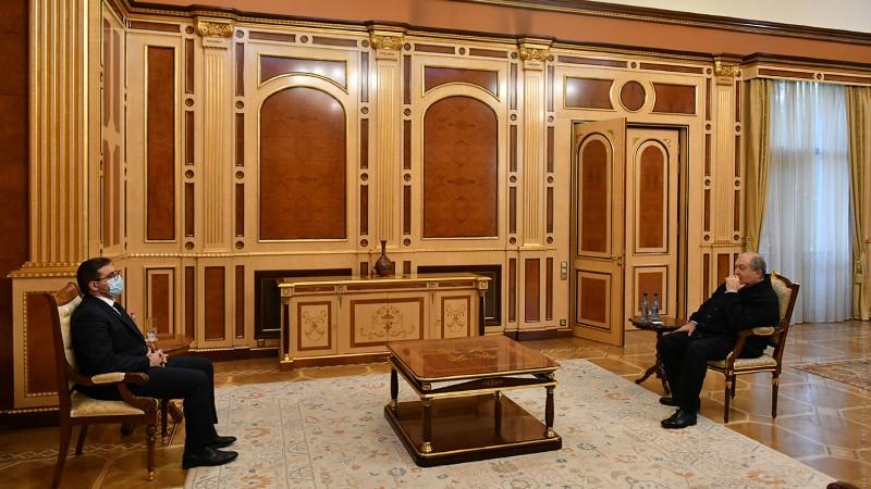 Նախագահ Արմեն Սարգսյանը հանդիպել է «Հանուն Հանրապետության» կուսակցության ղեկավար մարմնի ներկայացուցիչ Արման Բաբաջանյանի հետ (տեսանյութ)