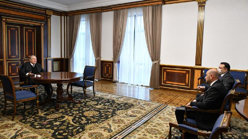 Արմեն Սարգսյանն ընդունել է ՀՀ կենտրոնական բանկի նախագահին (տեսանյութ)