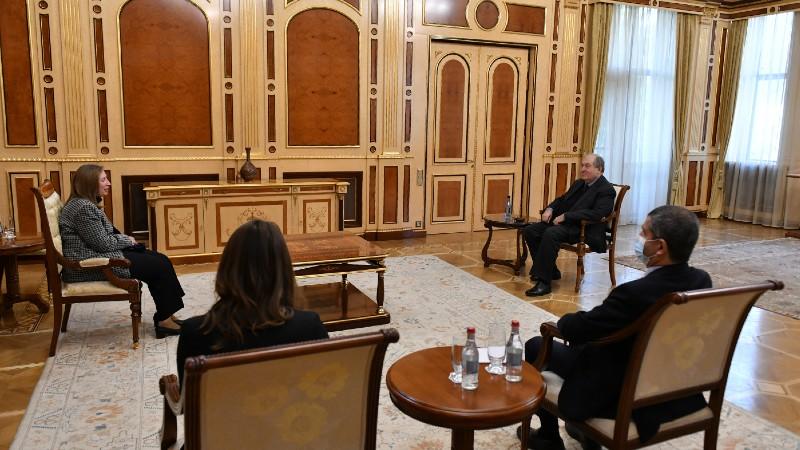 Արմեն Սարգսյանը հանդիպել է Հայաստանում ԱՄՆ դեսպան Լին Թրեյսիի հետ (տեսանյութ)