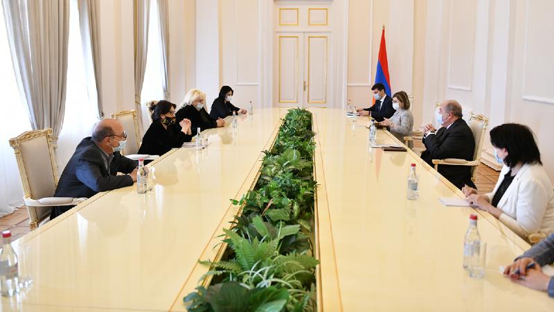 Արմեն Սարգսյանն ընդունել է Հայաստանի ժուռնալիստների միության պատվիրակությանը․ անդրադարձ է կատարվել մամուլի ու լրագրության ոլորտի ներկա վիճակին և առկա խնդիրներին