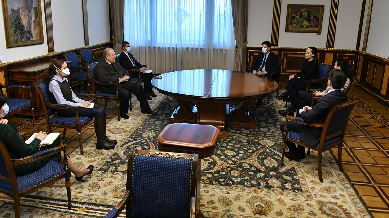 Արմեն Սարգսյանի մոտ քննարկվել են միջազգային ատյաններում Հայաստանի և ՀՀ քաղաքացիների շահերի ներկայացմանն առնչվող հարցեր