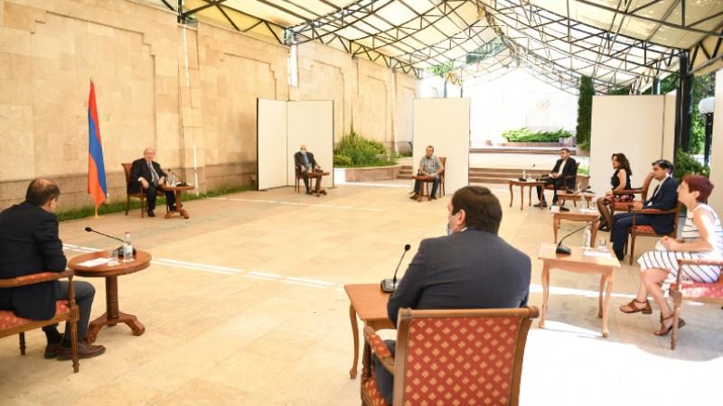 «Ձեր ոլորտը մեր երկրի ապագան է». Արմեն Սարգսյանը հանդիպել է ՏՏ ոլորտի մի խումբ ընկերությունների ղեկավարների հետ