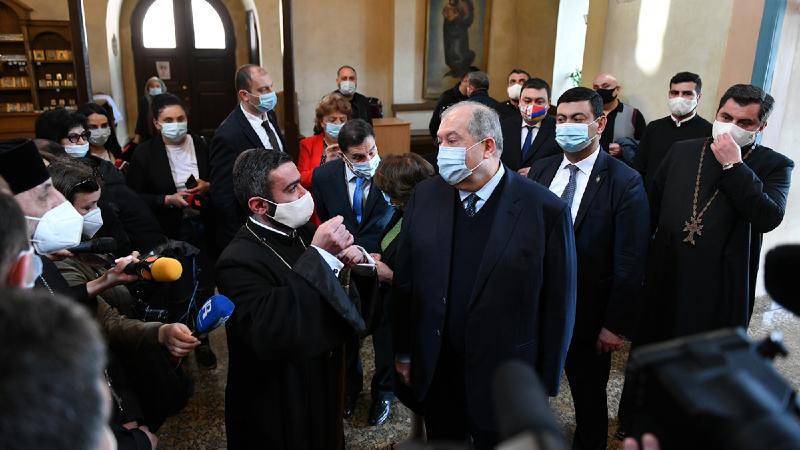 Արմեն Սարգսյանն այցելել է Վիրահայոց թեմի առաջնորդանիստ Սուրբ Գևորգ եկեղեցի (լուսանկարներ, տեսանյութ)