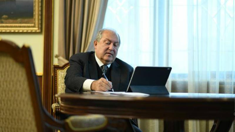 Նախագահ Արմեն Սարգսյանը ստորագրել է ՍԴ անդամների լիազորությունների դադարեցման համար անհրաժեշտ ԱԺ կանոնակարգ օրենքի փոփոխությունները