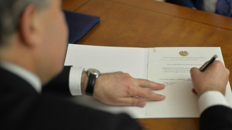 Նախագահը ստորագրել է մեկուսացման և ինքնամեկուսացման կանոնների պահանջները խախտելու դեպքում պատիժ սահմանող օրենքները