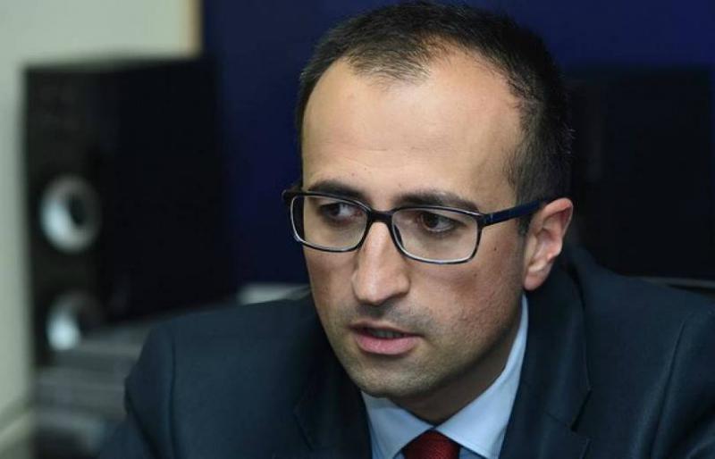 Արսեն Թորոսյանն այցելել է Երևանում ծնված եռյակին