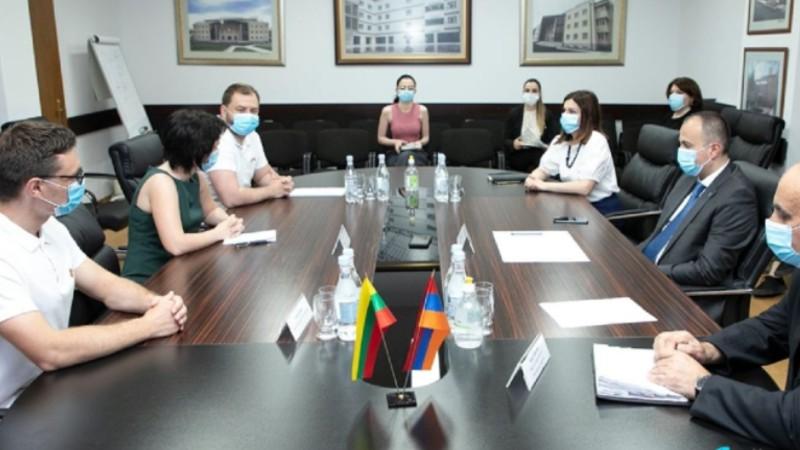 Առողջապահության նախարար Արսեն Թորոսյանը հյուրընկալել է ՀՀ-ում Լիտվայի արտակարգ և լիազոր դեսպանին