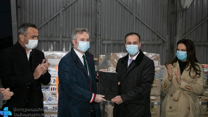 Արսեն Թորոսյանը մասնակցել է Ֆրանսիայից Հայաստան ժամանած հումանիտար օգնության ընդունման արարողությանը (լուսանկարներ)