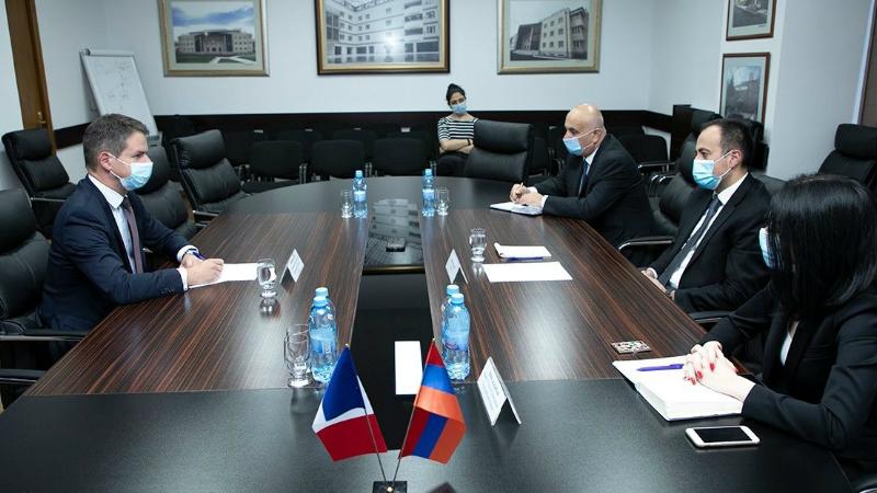 Ֆրանսիան մոտ ապագայում օգնություն կտրամադրի ՀՀ առողջապահական համակարգին․ Թորոսյանն ընդունել է ՀՀ-ում Ֆրանսիայի դեսպանին