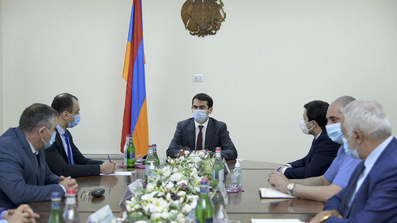 Հակոբ Արշակյանը նախարարության աշխատակազմին է ներկայացրել Ռազմարդյունաբերական կոմիտեի նորանշանակ նախագահ, գեներալ-լեյտենանտ Արտակ Դավթյանին