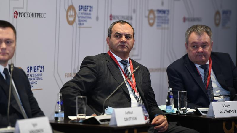 Արթուր Դավթյանը մասնակցել է Սանկտ Պետերբուրգում ընթացող տնտեսական միջազգային համաժողովին