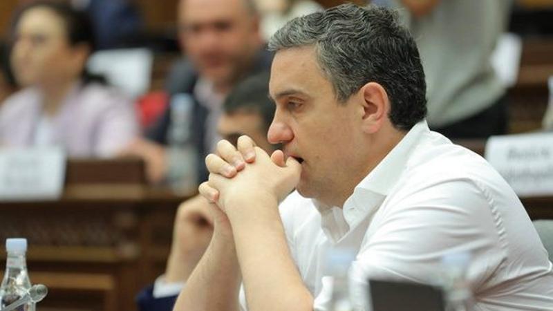 Արթուր Ղազինյանը 7-րդ անգամ չընտրվեց ԱԺ պաշտպանության և անվտանգության հարցերի հանձնաժողովի նախագահի տեղակալի պաշտոնում
