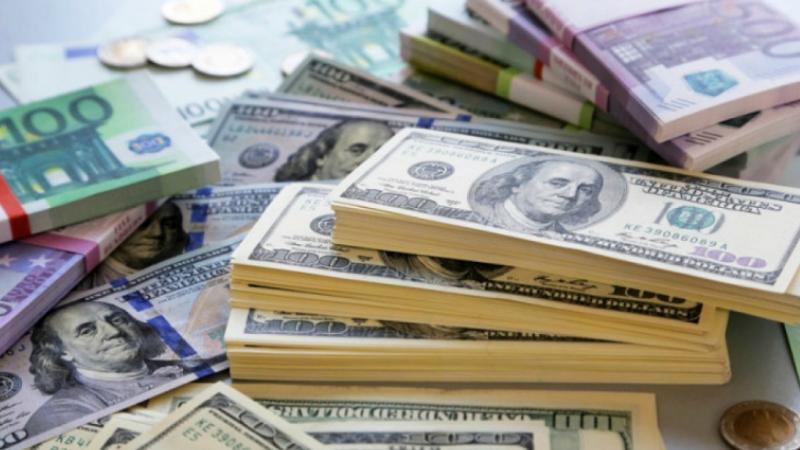 Դոլարի, եվրոյի և ռուբլու փոխարժեքը կրկին նվազել է․ ԿԲ