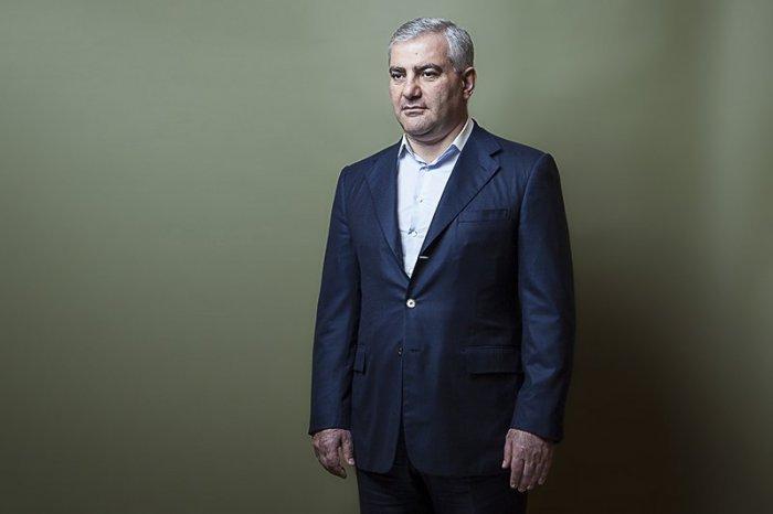 Սեպտեմբերի 16-ին Սամվել Կարապետյանի կրտսեր որդու՝ Կարենի հարսանիքն է. նրա ընտրյալը՝ Լիլիթը, սովորական հայկական ընտանիքից է. «Հրապարակ»