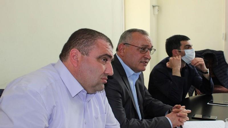 ԱՀ ԱԺ պատվիրակության անդամները հանդիպել են Արցախի բռնի տեղահանված բնակիչների հետ