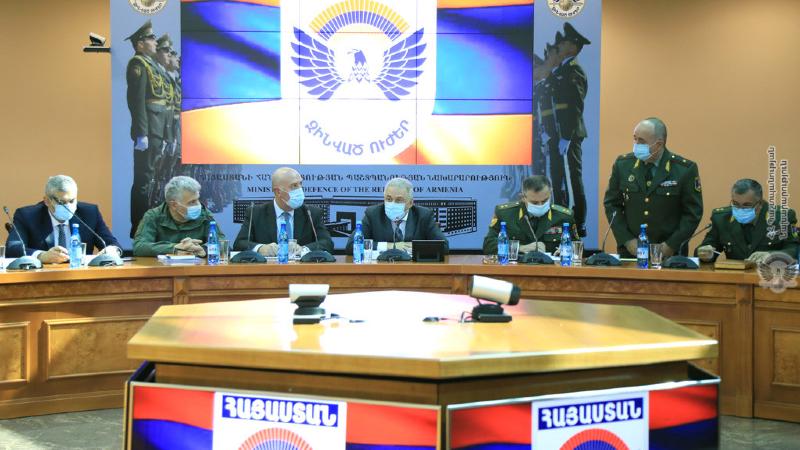 ՀՀ ՊՆ, ԶՈՒ և ԶՈՒ ԳՇ ղեկավար կազմերը քննարկել են հետպատերազմյան շրջանում զինված ուժերի առջև ծառացած հիմնական խնդիրները