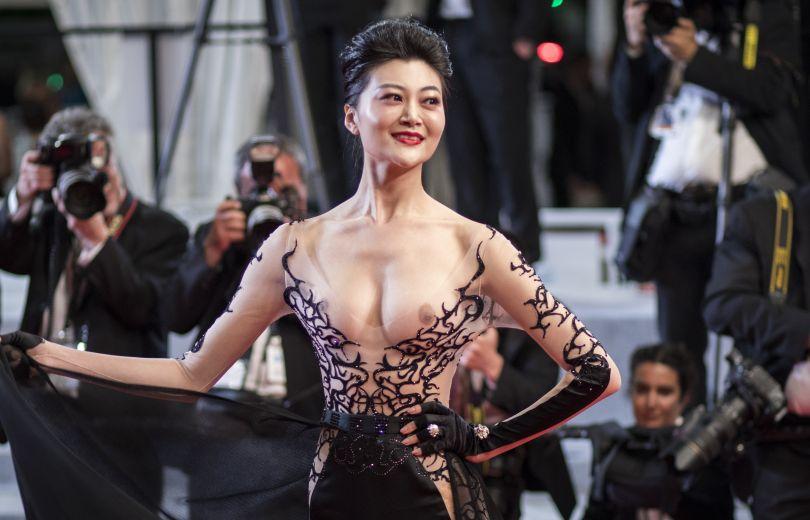 Կաննի կինոփառատոնի ամենաանկեղծ զգեստը. դերասանուհին ներկայացել է հանրությանը մերկ կրծքով