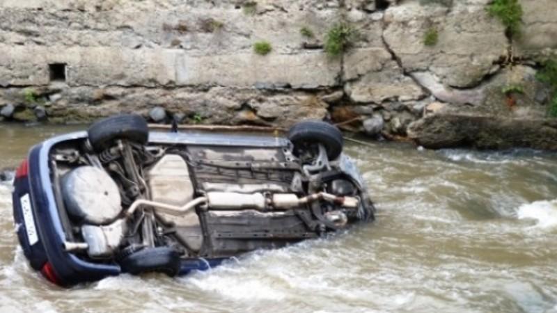 Ավտոմեքենան շրջվել է Արփա գետը