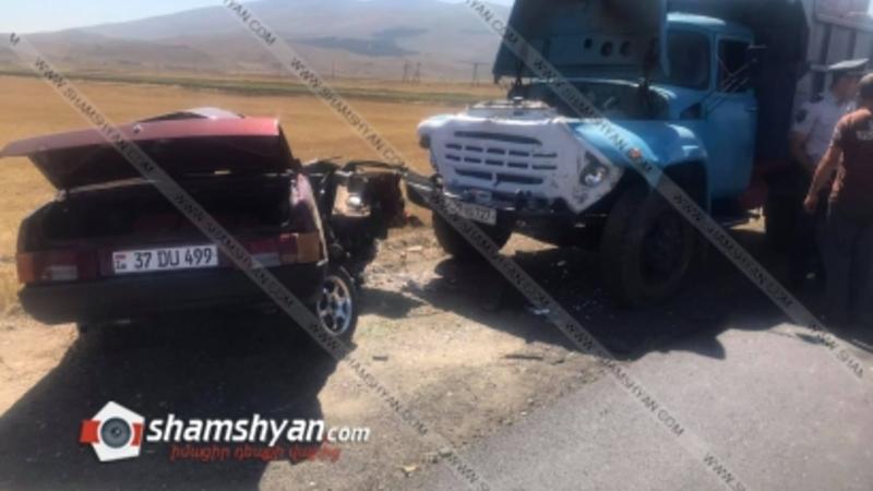 Արագածոտնի մարզում 62-ամյա վարորդը ՎԱԶ 21099-ով մխրճվել է քար տեղափոխող ԶԻԼ-ի մեջ. վարորդը տեղում մահացել է