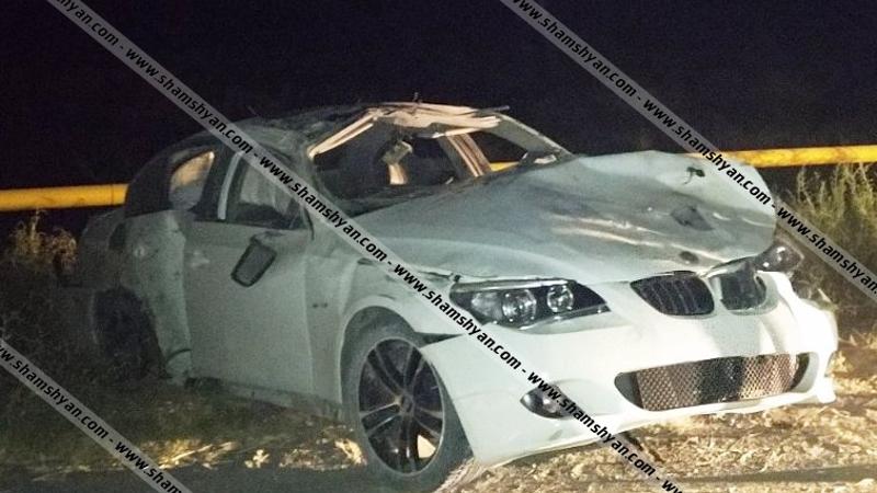 Արարատի մարզում 26-ամյա վարորդը BMW-ով բախվել է գազատար խողովակին, մի քանի պտույտ շրջվելով՝ հայտնվել դաշտում