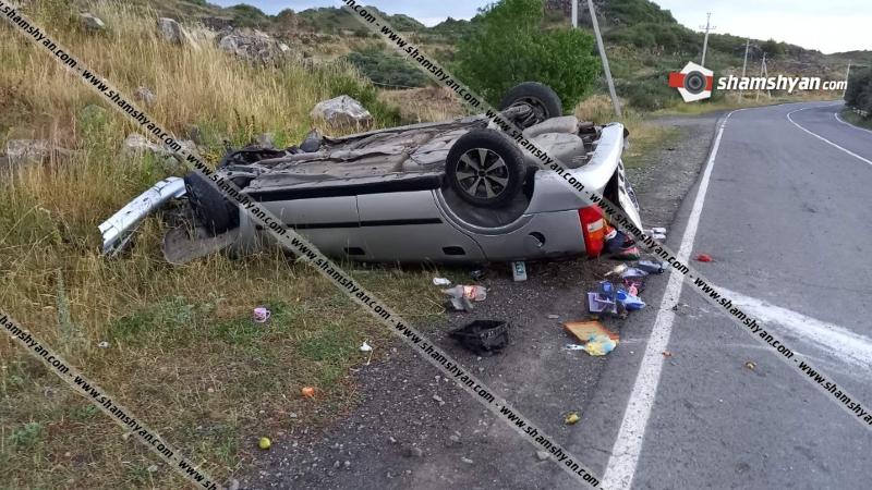 Գեղարքունիքի մարզում վարորդը Opel-ով բախվել է քարերին և գլխիվայր շրջվել. կա 8 վիրավոր