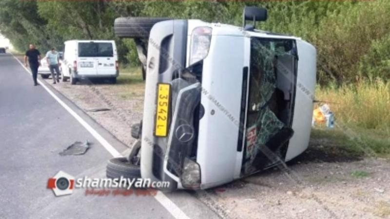 Գեղարքունիքի մարզում բախվել են Վարդենիս-Երևան երթուղու Mercedes Sprinter-ն ու Opel-ը. կա 8 վիրավոր