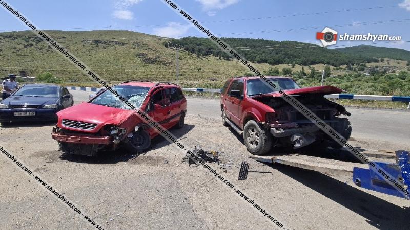 Հրազդանում ճակատ-ճակատի բախվել են Opel Zafira-ն ու Ford-ը. կան վիրավորներ