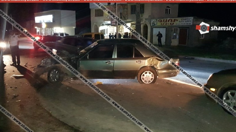 Խոշոր ավտովթար՝ Վանաձորում. բախվել են Porsche Cayenne-ն ու 2 Mercedes-ներ. կան վիրավորներ