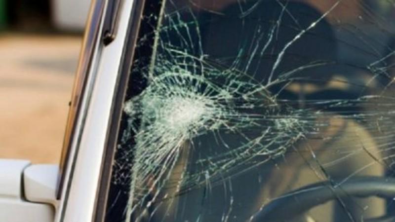 Ծաղկահովիտ-Արթիկ ճանապարհին մեքենան դուրս է եկել երթևեկելի հատվածից, կողաշրջվել և հայտնվել դաշտամիջյան հատվածում
