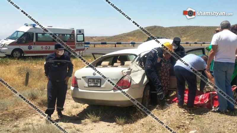 Արարատի մարզում Nissan-ը 10 մետր բախվելով քարերին, հայտնվել է ձորում. կան վիրավորներ