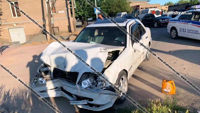 Խոշոր ավտովթար Արարատի մարզում. բախվել են Mercedes-ն ու Ford Transit-ը. կա վիրավոր