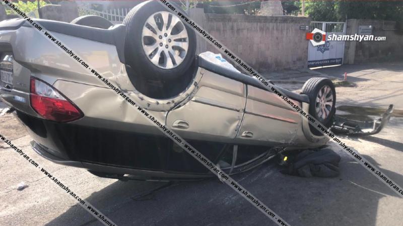 Խոշոր ավտովթար Երևանում. բախվել են Mercedes-ն ու Subaru-ն. վերջինս գլխիվայր շրջվել է