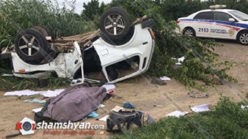 Արարատ գյուղի տարածքում ВАЗ 2121-ը բախվել է ծառին և գլխիվայր շրջվել․ վարորդը տեղում մահացել է