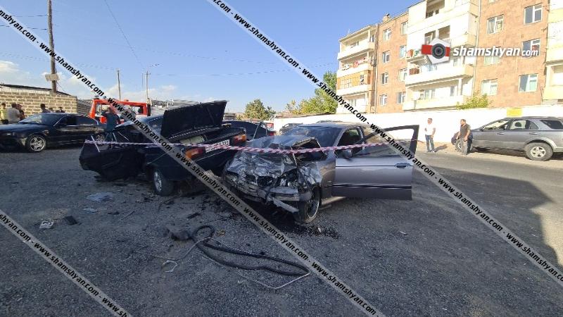 Լուսակերտի զորամասի դիմաց բախվել են BMW-ն ու 06-ը. կա վիրավոր
