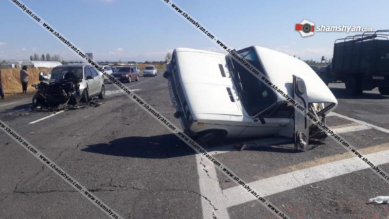 Արմավիրի մարզում բախվել են Mazda-ն ու «06»-ը, վերջինս կողաշրջվել է. վարորդները տեղափոխվել են հիվանդանոց
