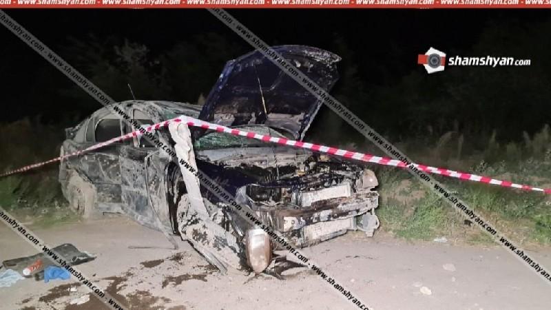 Արմավիրի մարզում Opel-ը բախվել է հողաթմբին և գլխիվայր շրջվել