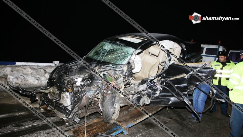 Խոշոր ավտովթար մահվան ելքով․ Mercedes բախվել է արգելապատնեշներին և մոտ 300 մետր մի քանի պտույտներ կատարելով շրջվել