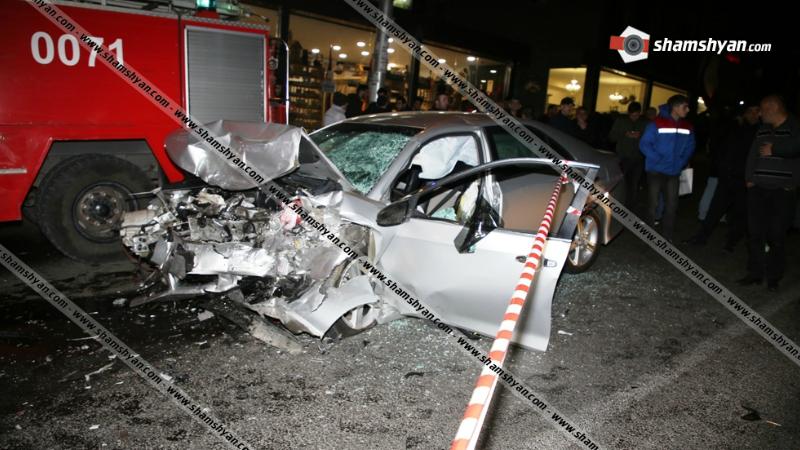 4 մեքենաների մասնակցությամբ ողբերգական ավտովթար Սեբաստիա փողոցում․ կա 2 զոհ, 2 վիրավոր