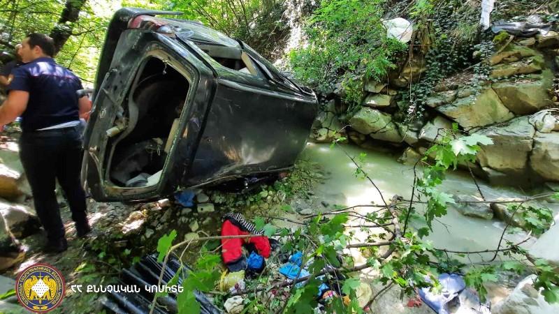 Ախթալայում «Օպել»-ը գլորվել է ձորը. վարորդը տեղում մահացել է