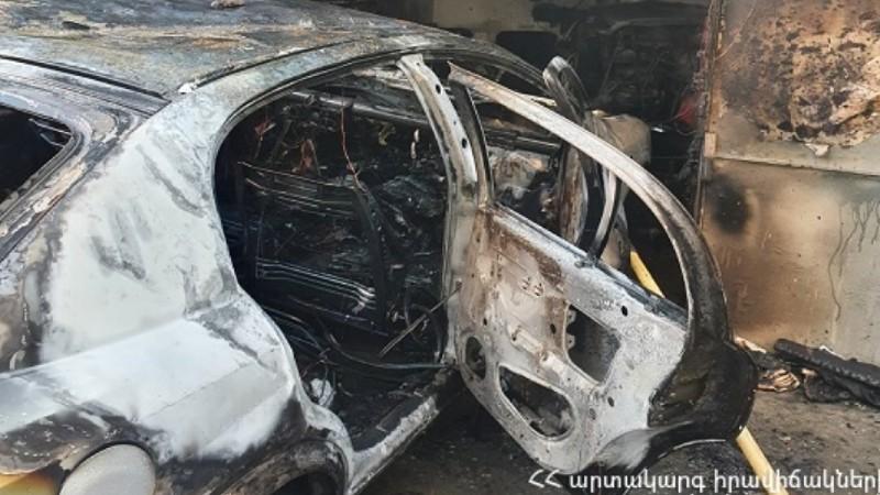 Երևանի ավտոտնակներից մեկում այրվել է ավտոմեքենա